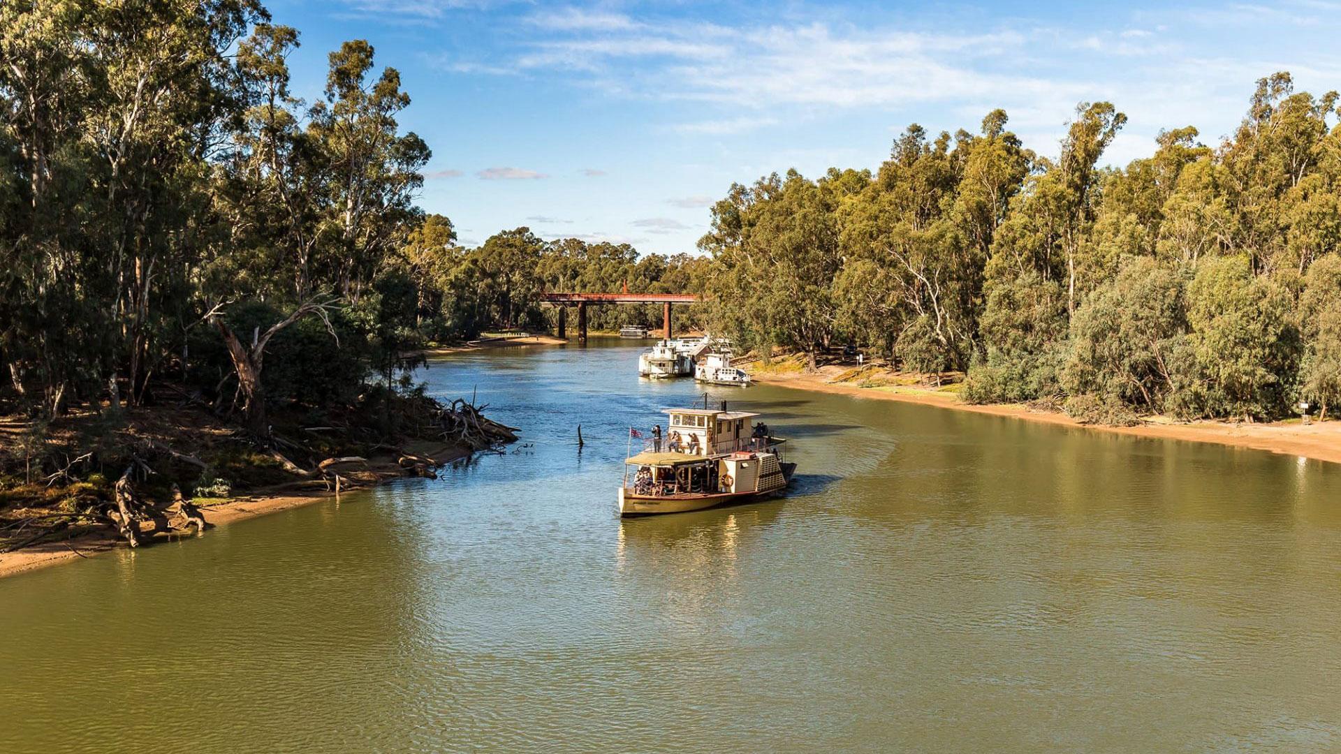 Moama Bridge Paddle Steamers